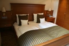 Schlafzimmer mit Wasserbett