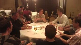 Tisch bei der Vorabendparty