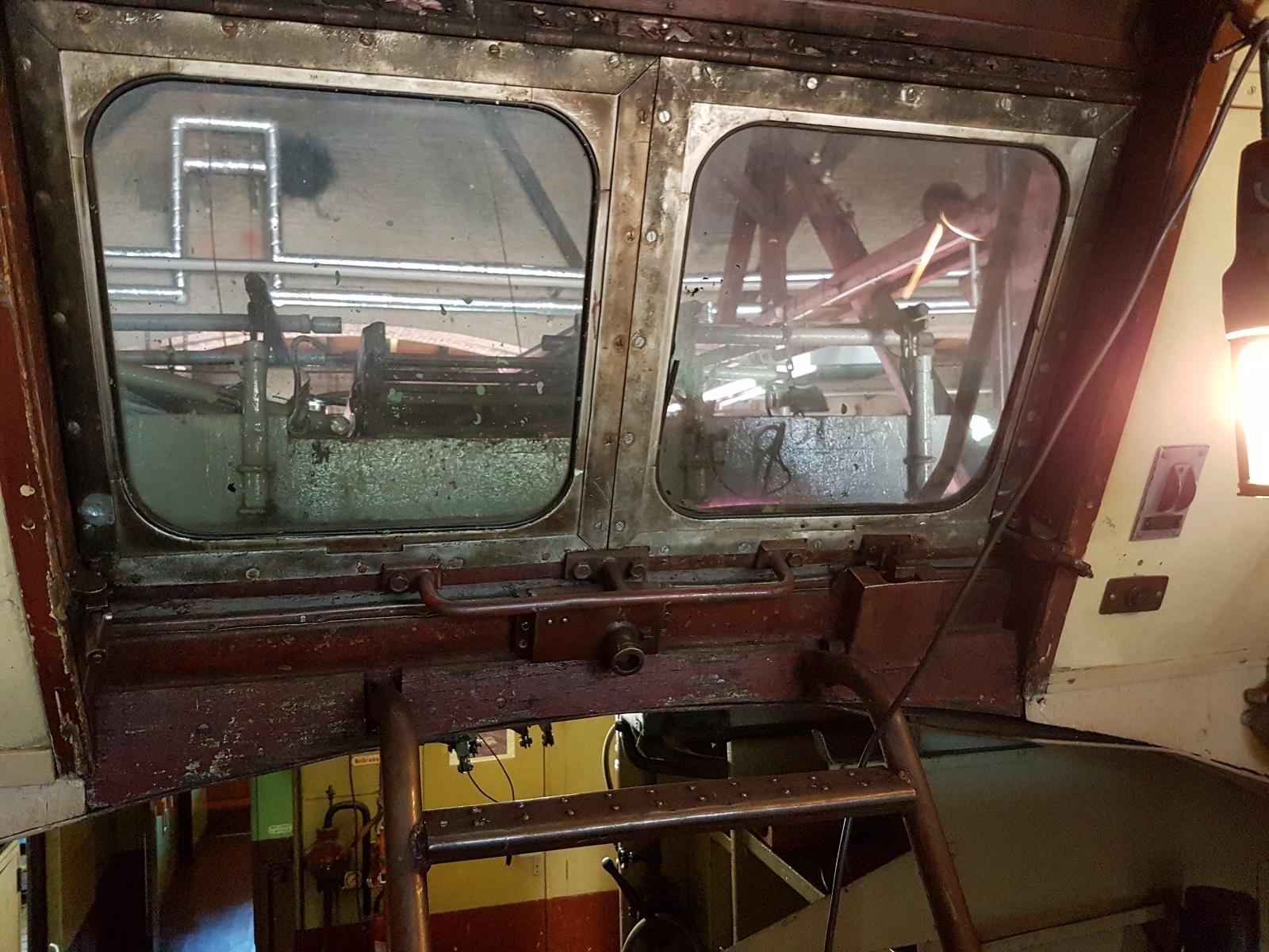 Oberleitungswagen Ausstieg